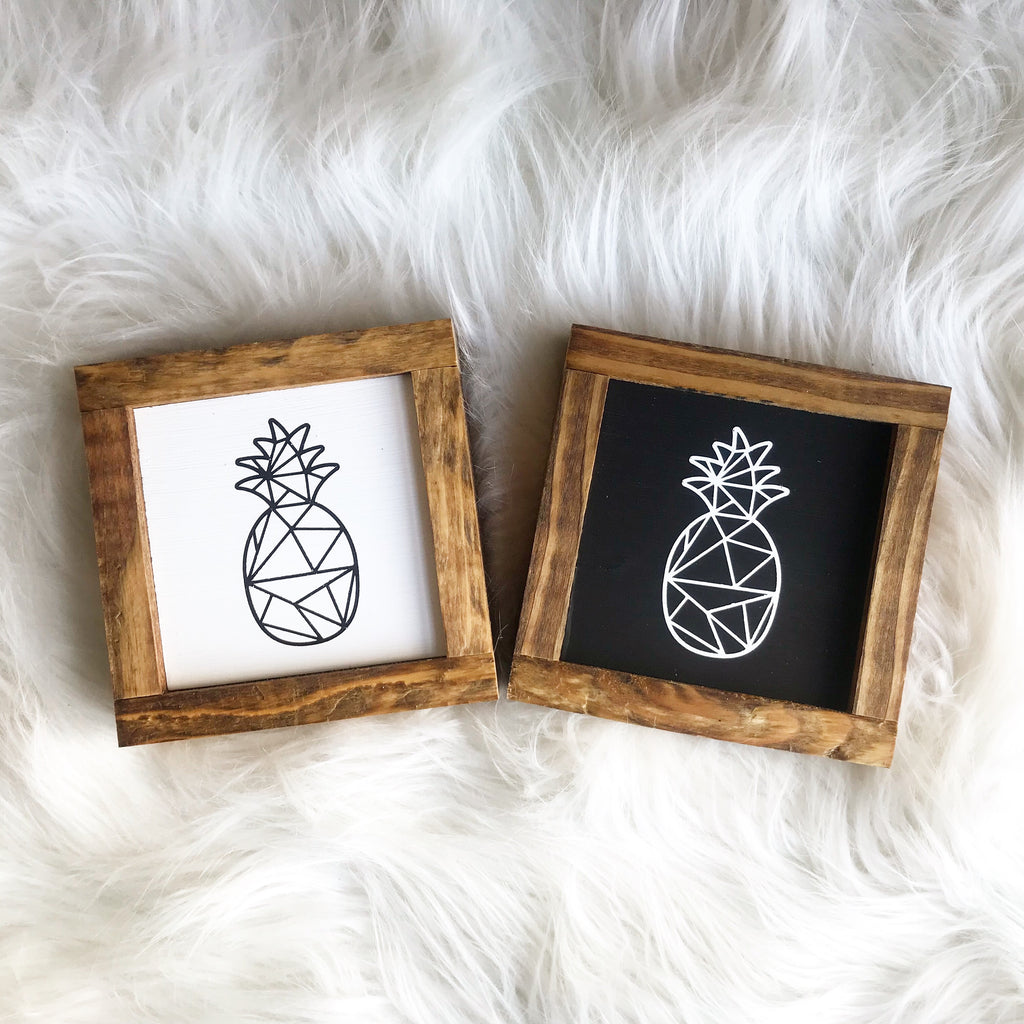 Mini Pineapple Signs