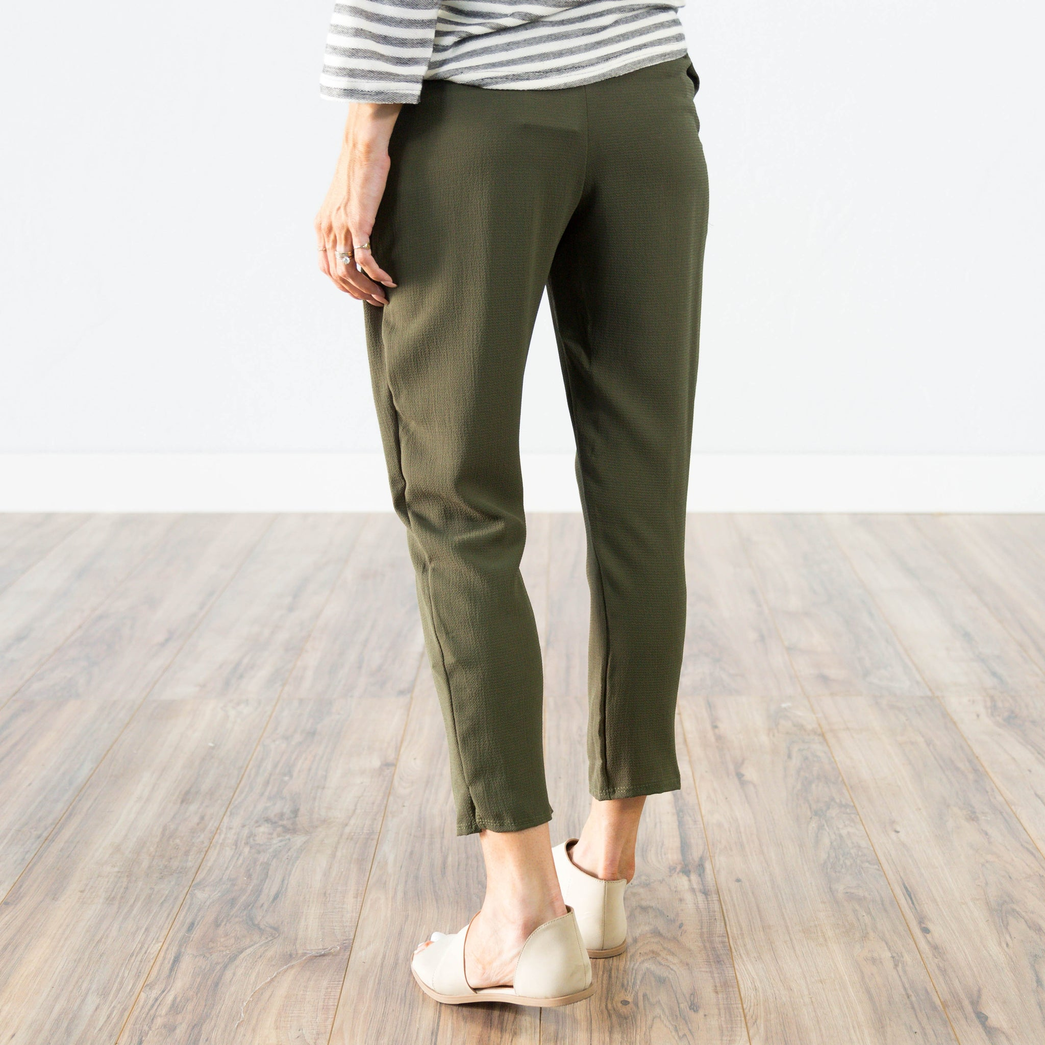 Lydia Pant in Olive