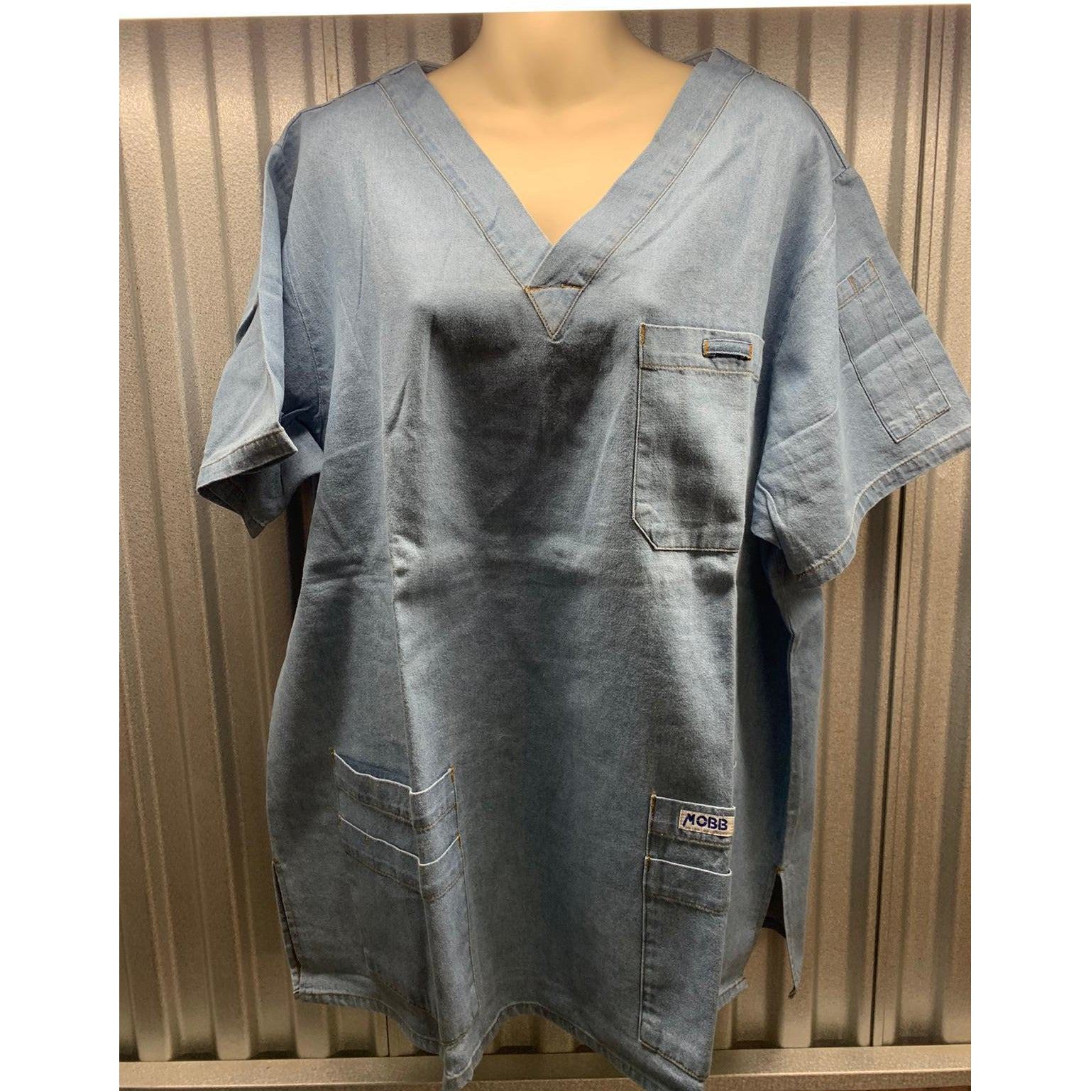 MOBB V-Neck Print Scrub Top with 5 pockets (Big FIT)  *CLEARANCE*  320T SALE