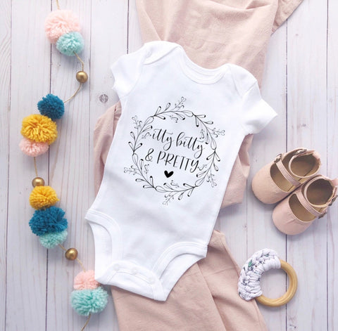 Itty bitty & pretty baby shirt, girl baby bodysuit, pretty, pregnancy announcement, baby got bodysuit