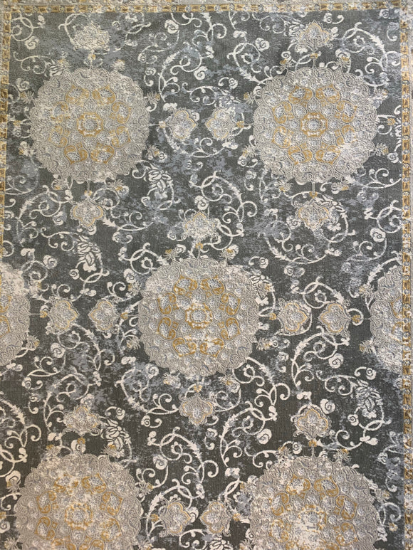 Area Rug 7'x 10' Aprox