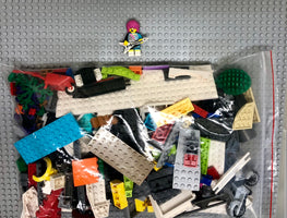 LEGO 500g mixed bag of MIXED COLOURED parts, bricks and more plus free Minifigure! - BrickResales
