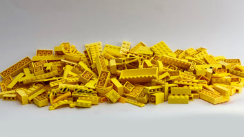LEGO™ 500g mixed bag of YELLOW parts, bricks and more!