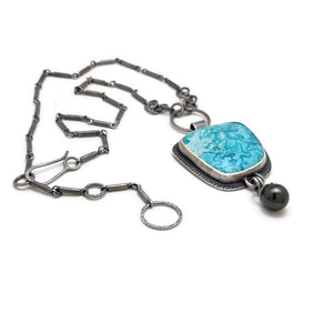 Turquoise necklace with black Tahitian pearl
