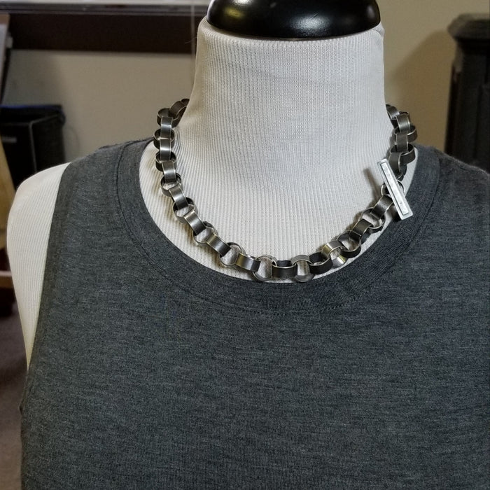 Paper chain necklace, small links
