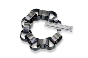 Paper chain bracelet, large links with toggle