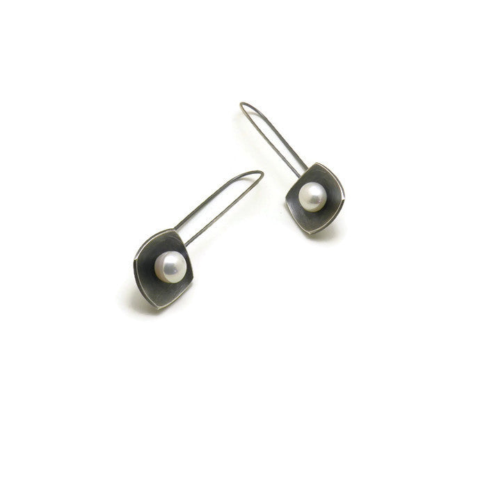 Pearl square earrings with pearls