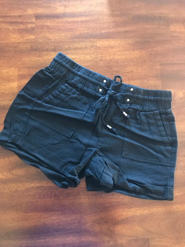 Cuffed Linen Shorts - Black