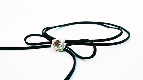 ROSE WITH GARNET CHOKER