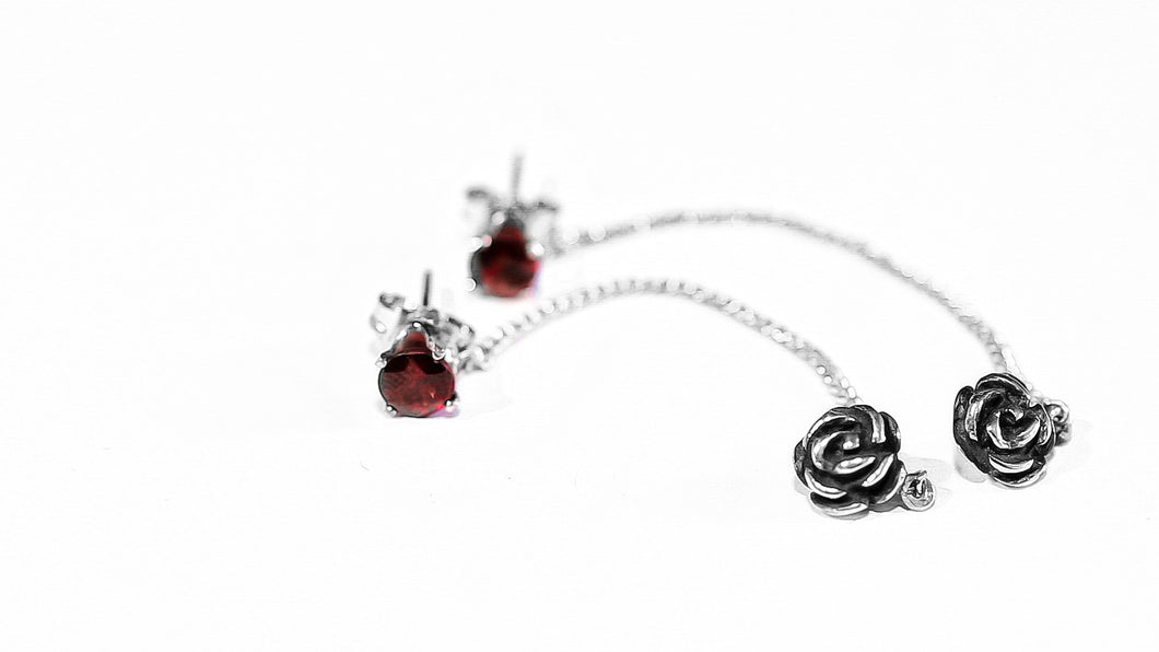 ROSE EARRINGS WITH GARNET