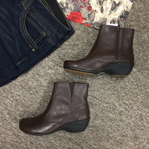 Hush Puppies Boots, Size 8.5