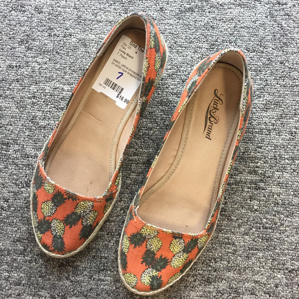 Lucky Brand Pineapple Flats, Size 7