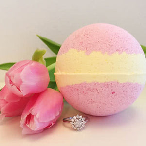 Spring Tulips Ring Bath Bomb
