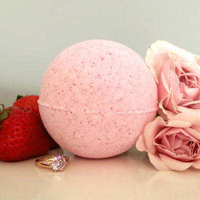Strawberries and Champagne Ring Bath Bomb