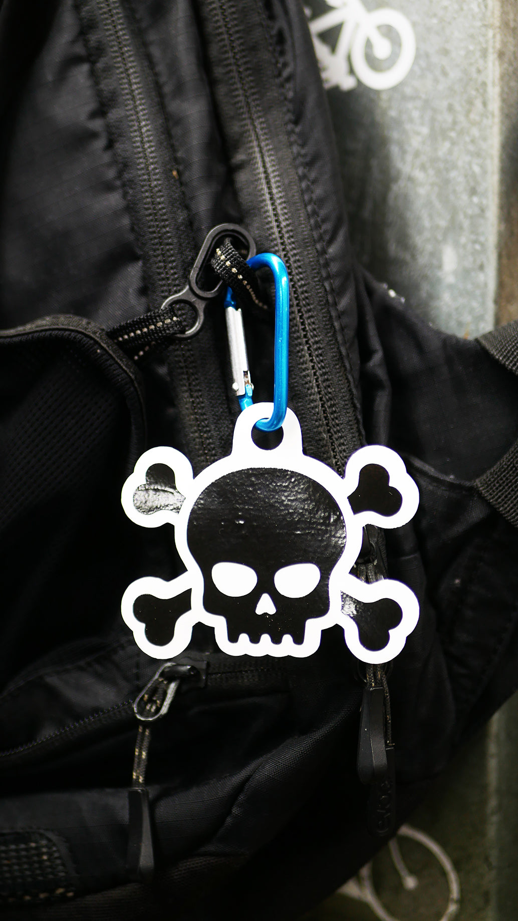 Skull & Crossbones White/Black Reflector