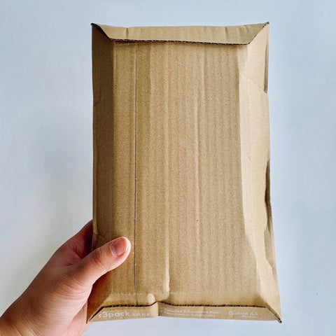 Cushioned Paper Courier Bag A4 255x325mm - rigid (pack of 100)