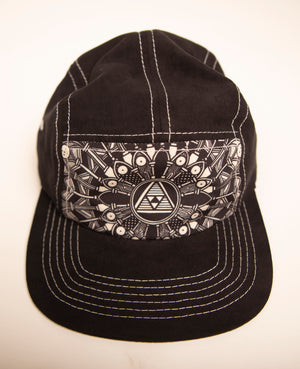 MATT BLACK 5 PANEL CAMP HAT