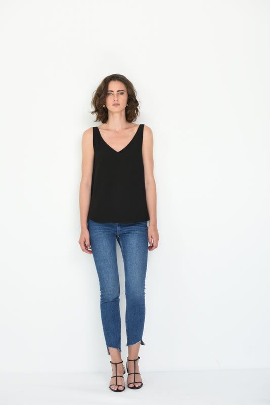 LIV SILK V NECK CAMI - BLACK