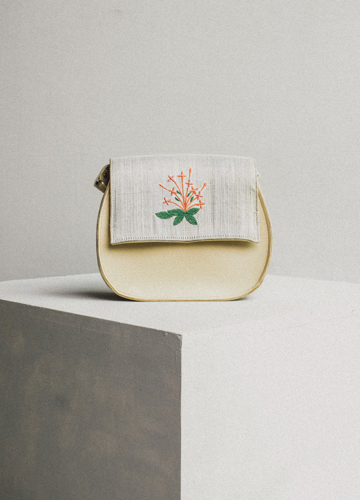 Satchel in Santan Ivory