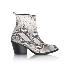 Gaimo python print boot - Booty Shoes