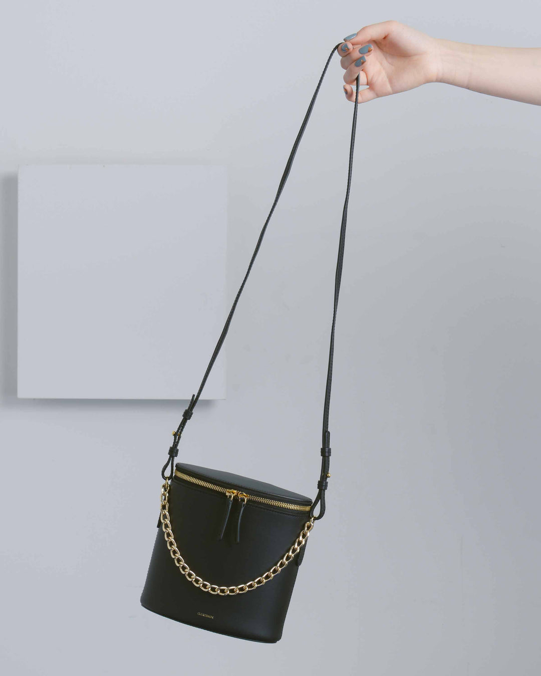 Black Perla Chain Bag With Leather Strap