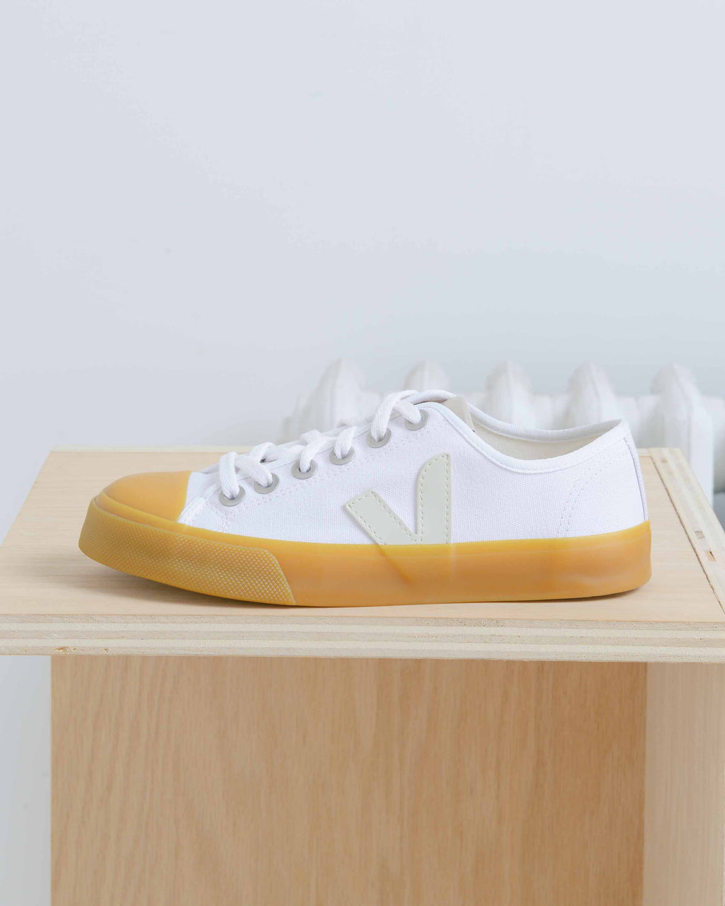 Gum Sole Wata Sneakers