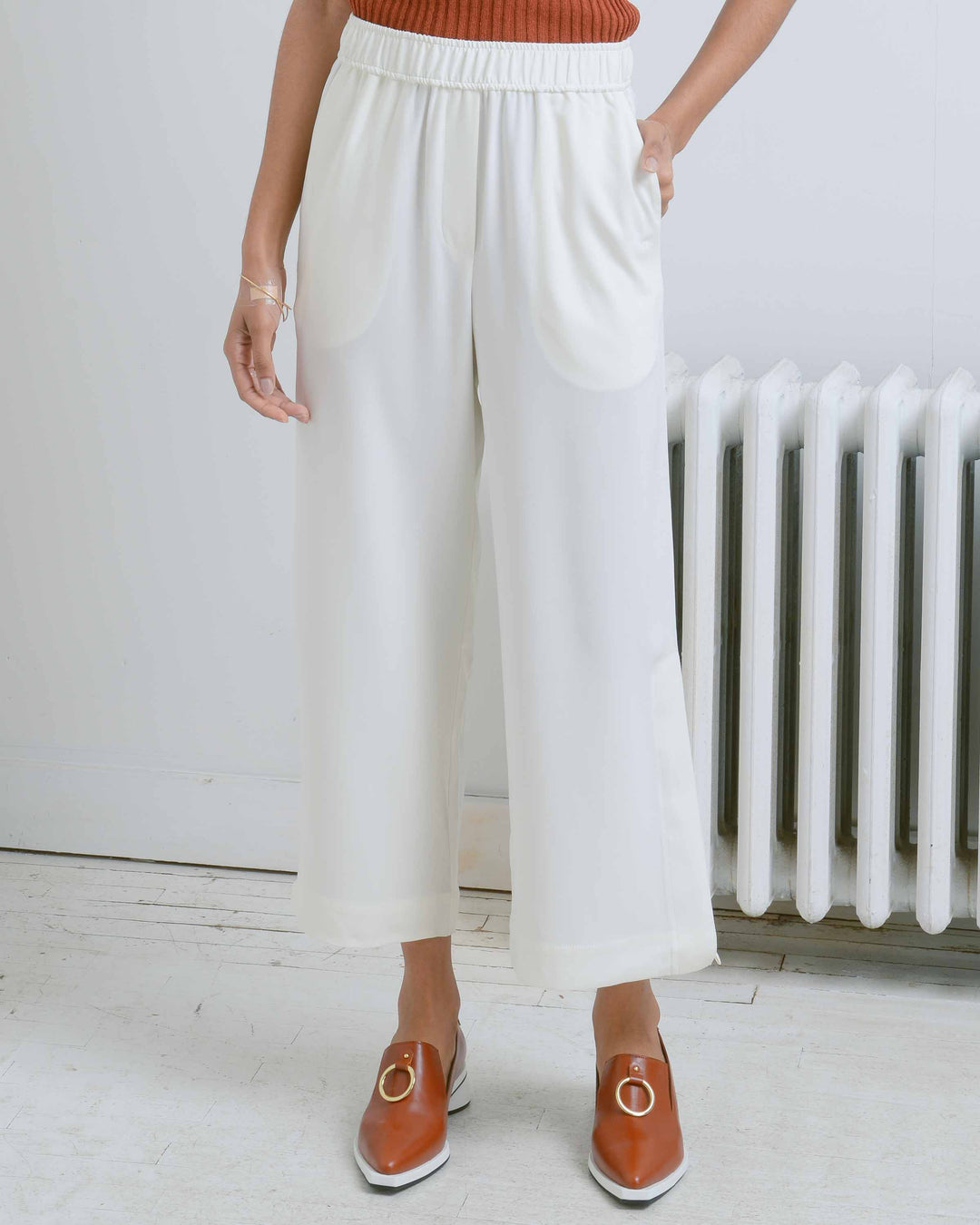 White Elastic Waist Cropped Trousers