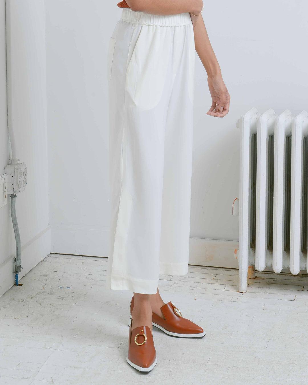 Ivory Elastic Waist Cropped Trousers