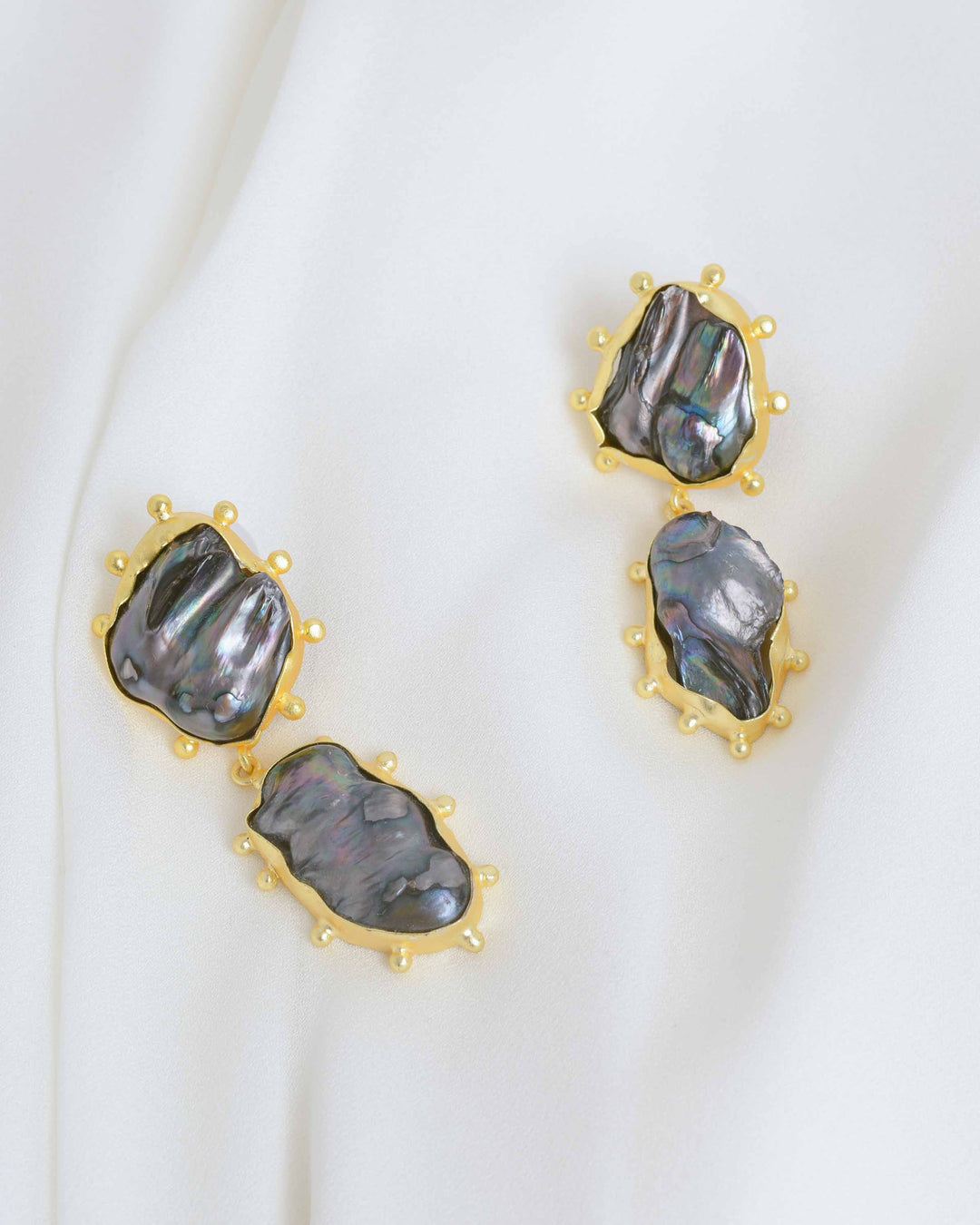 Gold Naba Earrings with Black Pearl