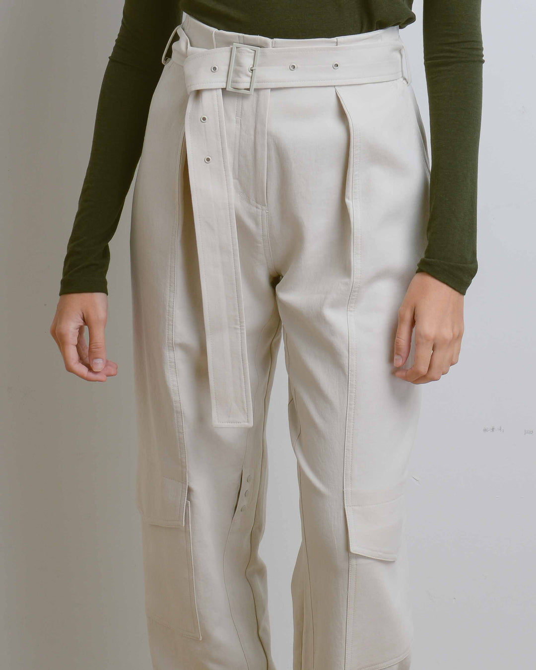 Cream Down Pockets Pants