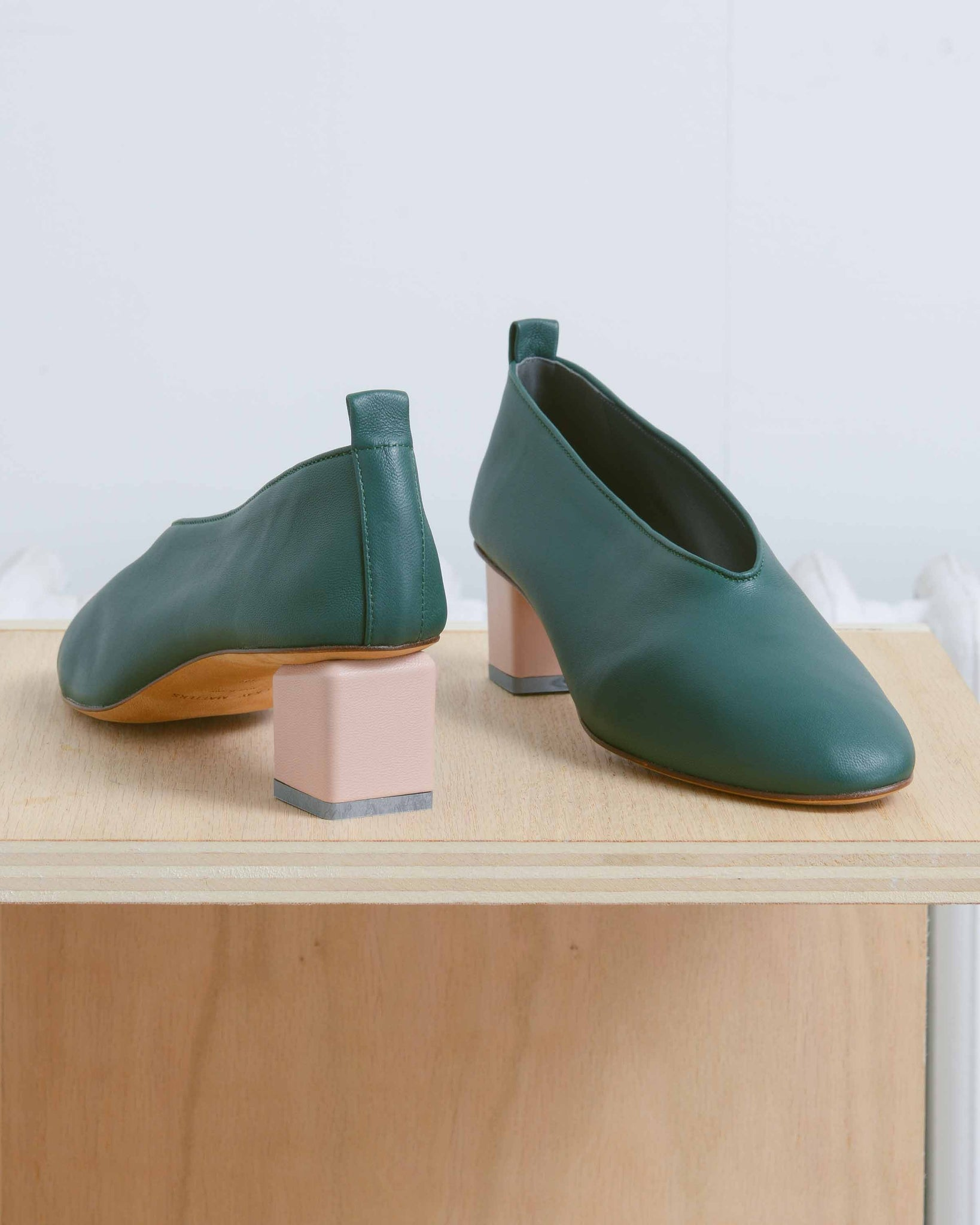 Green Nappa Cube-Shaped Pump