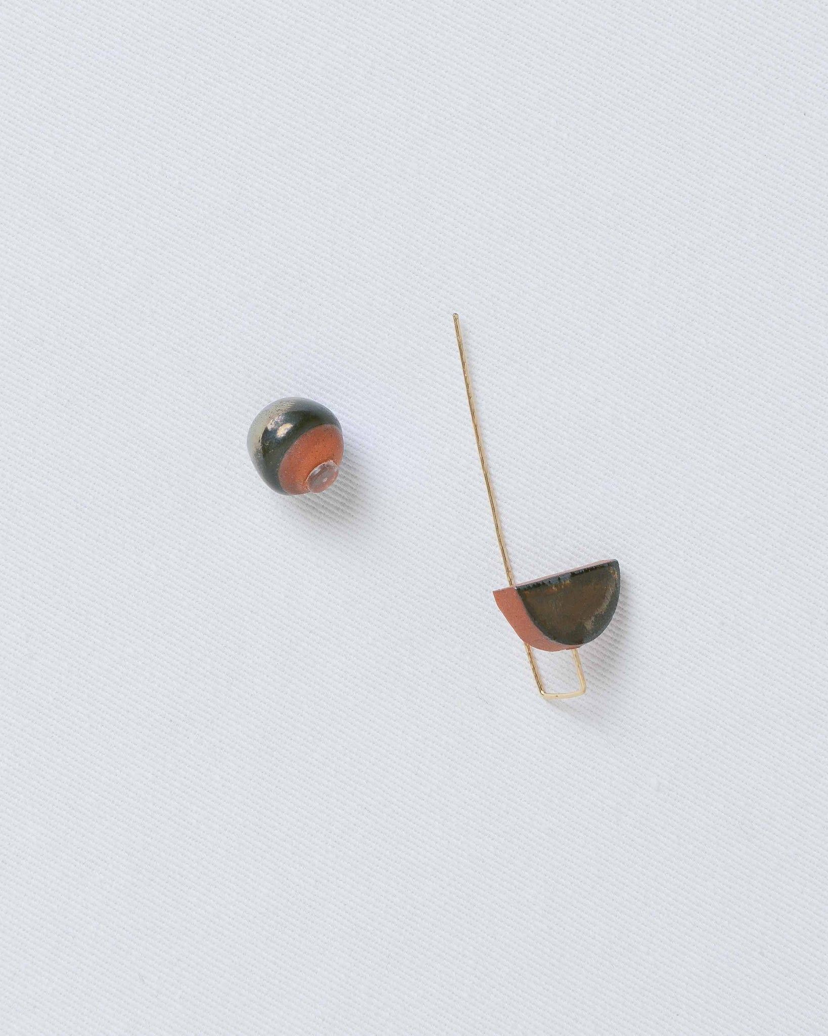 Palladium Terra Cotta Pin Earring