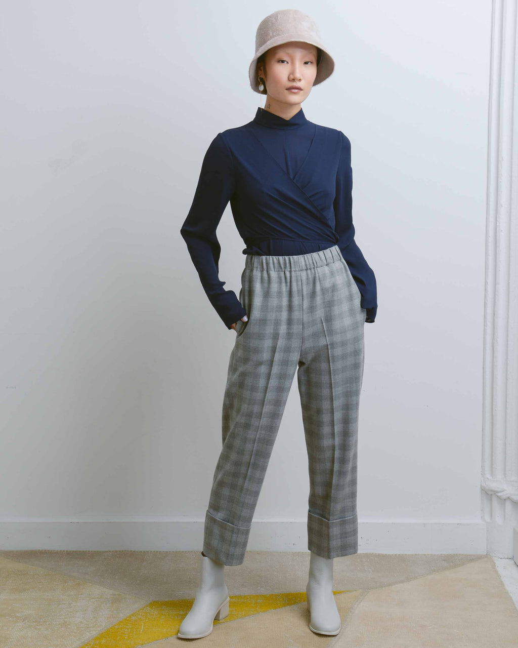 Grey Gingham Em Pull On Pant
