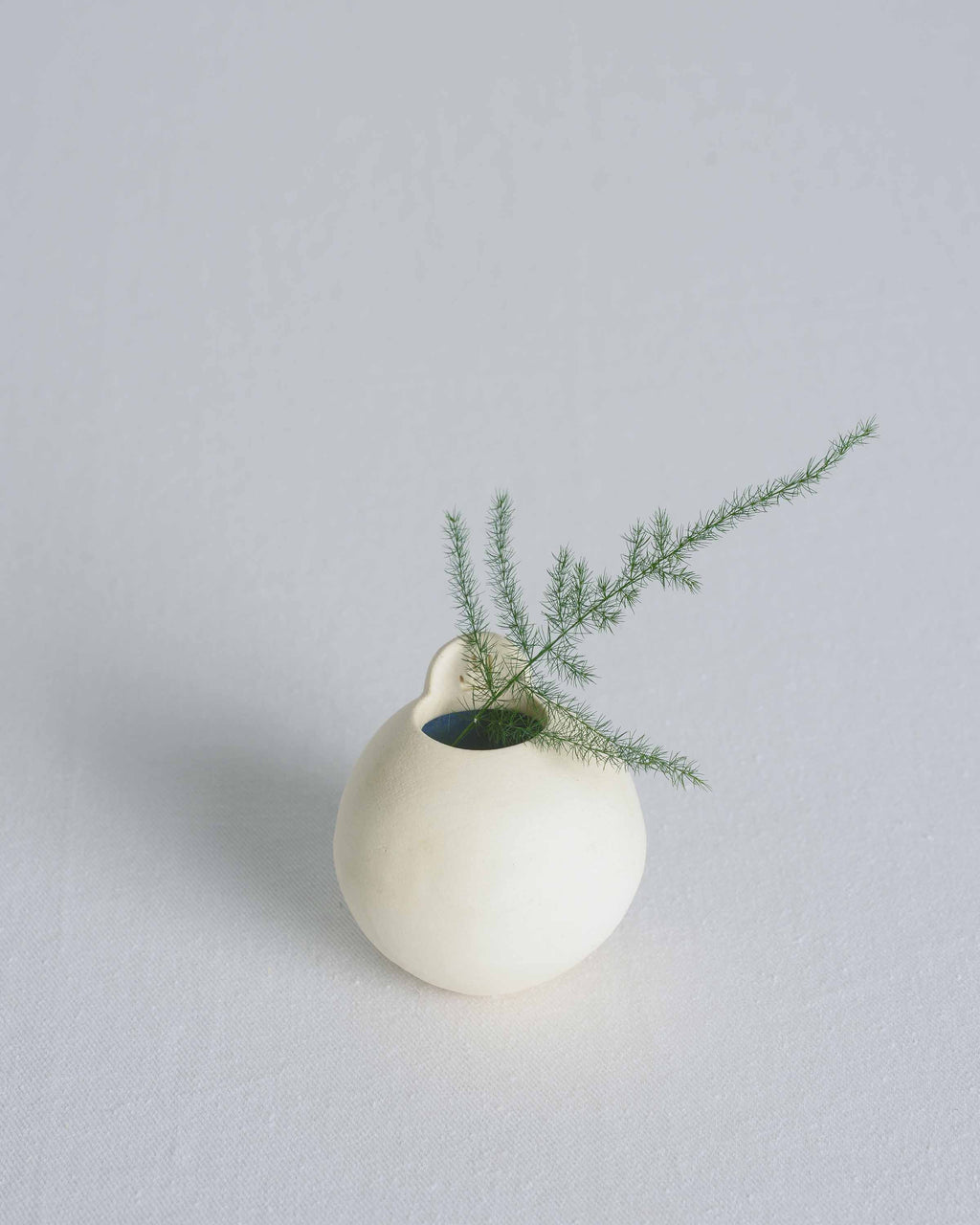Off White Small Sphere with Lip