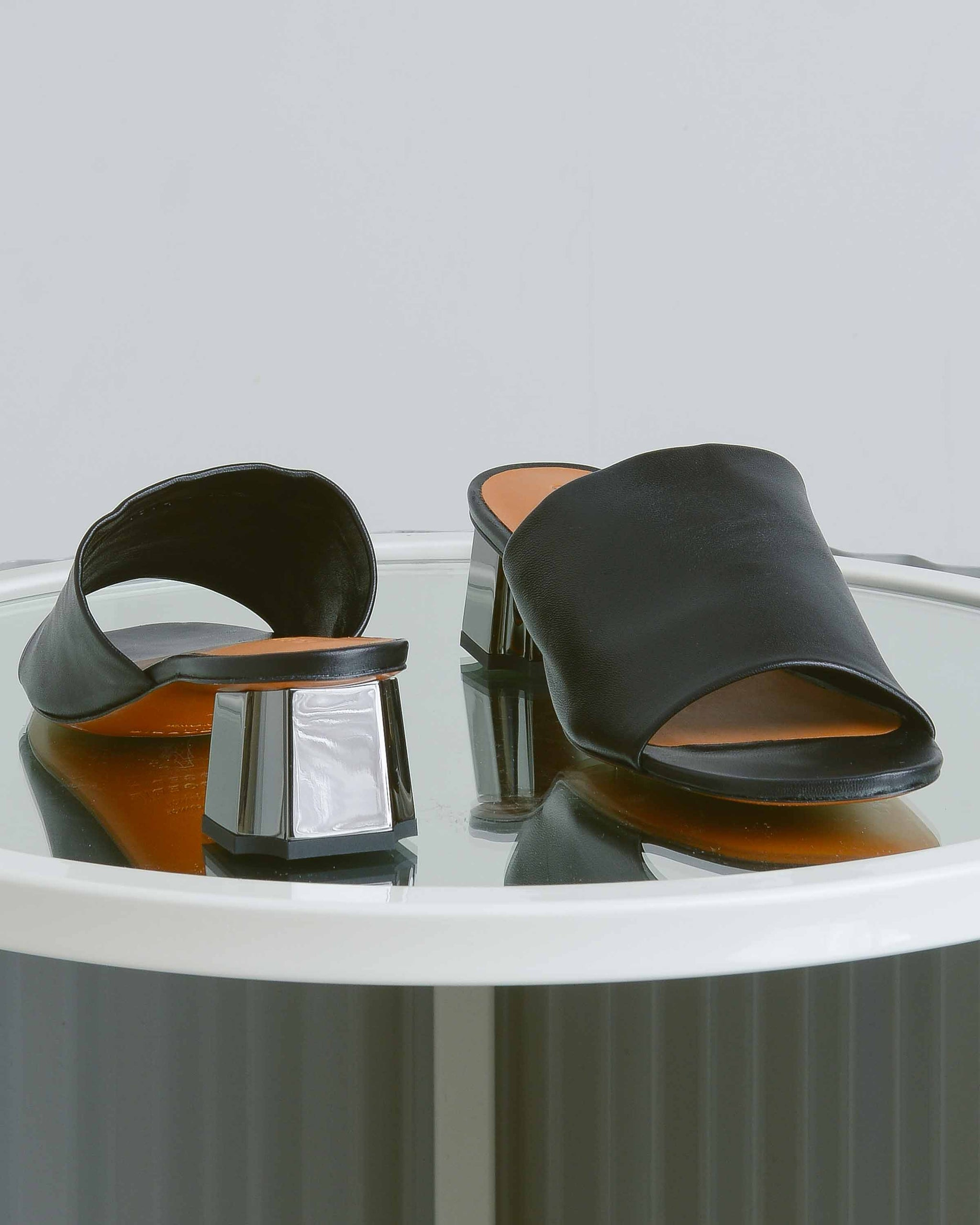 Leather Lamo Slides