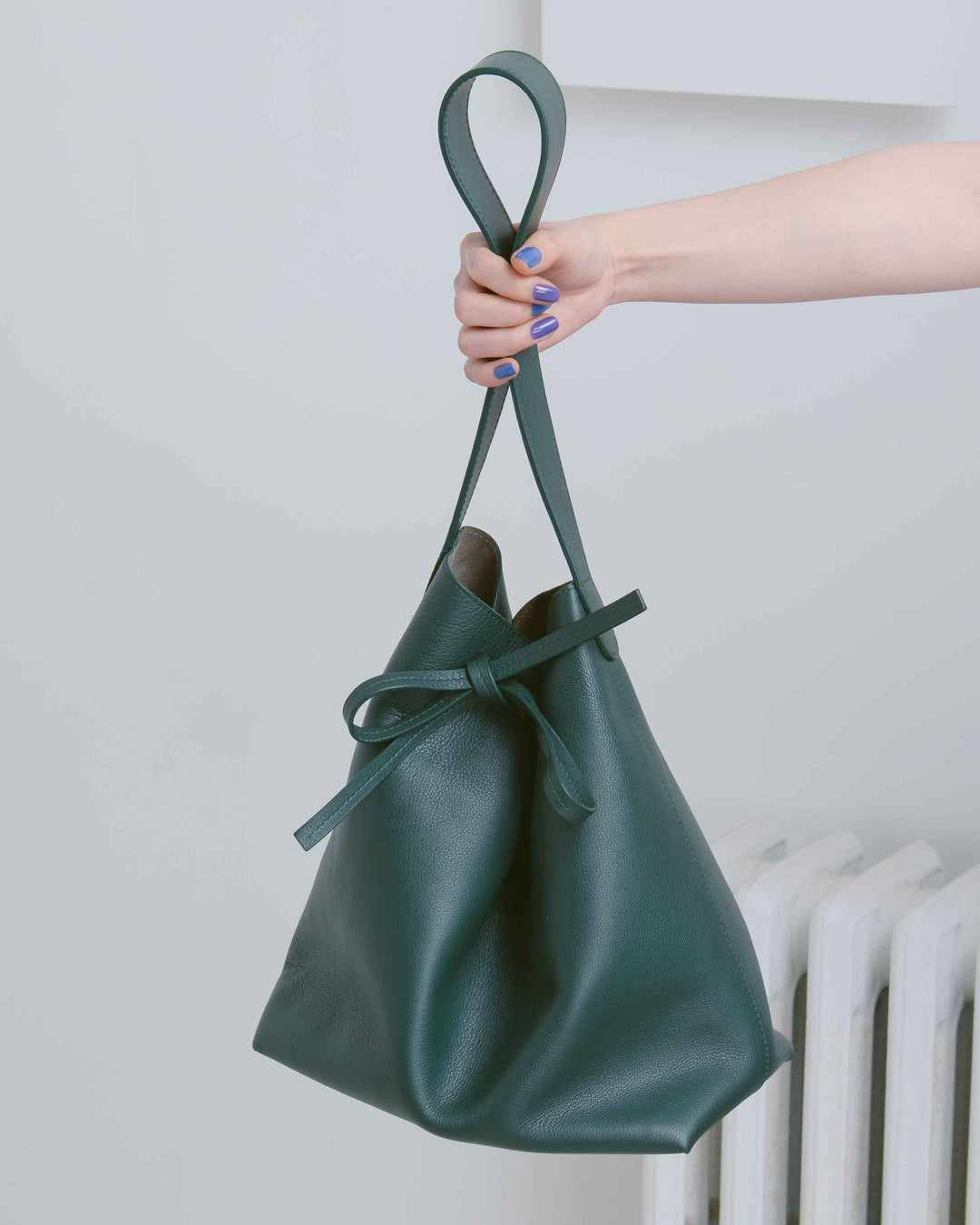 Carmen Leather Bucket Sac