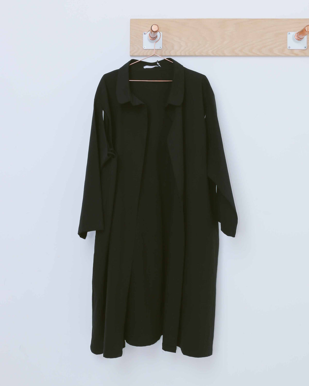 Black Semi-Detached Sleeve Jacket