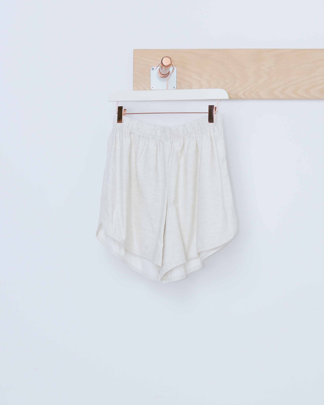 White Simple Short