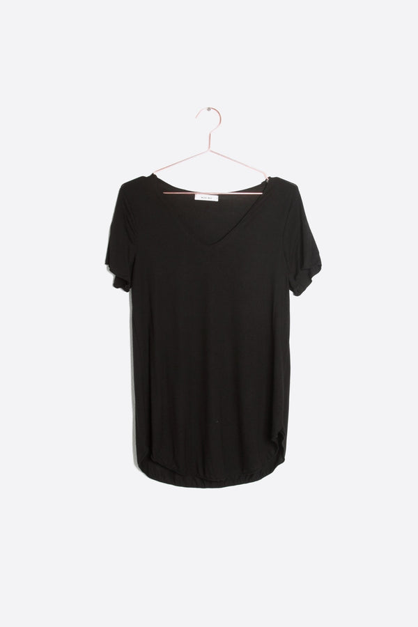 EVERYDAY SHORTSLEEVE TOP— black