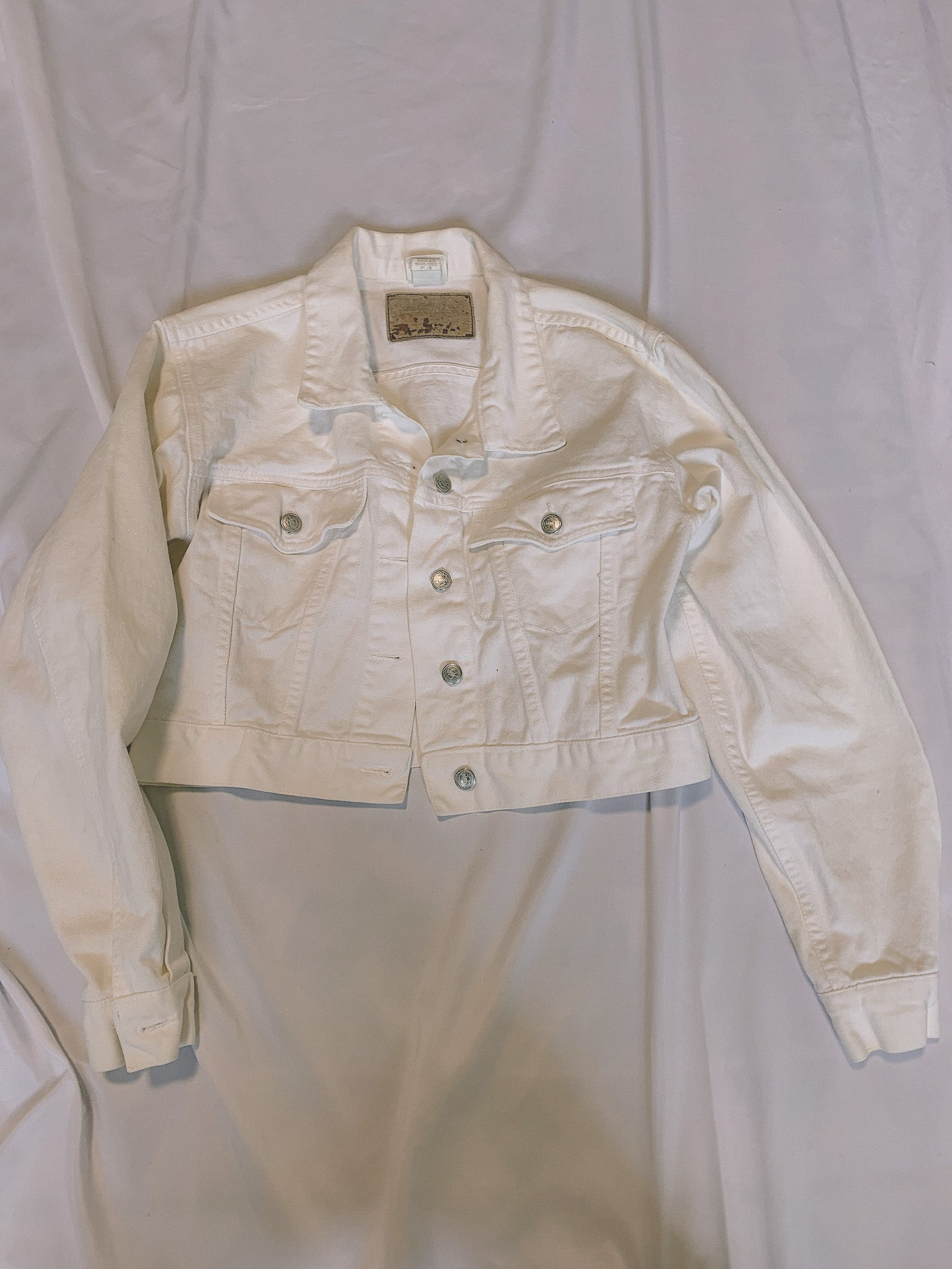 Perfect cropped white denim jkt