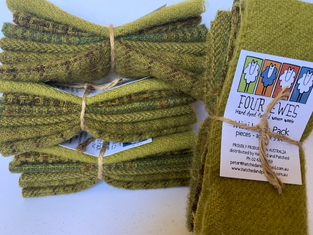 Woven Wool - Aberdeen Green Mini Lamb Pack