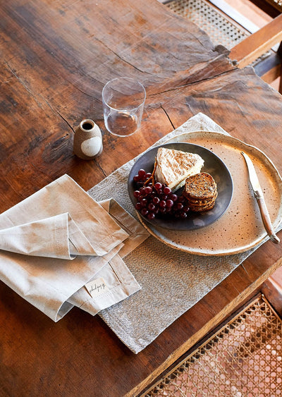 tableware matching placemats