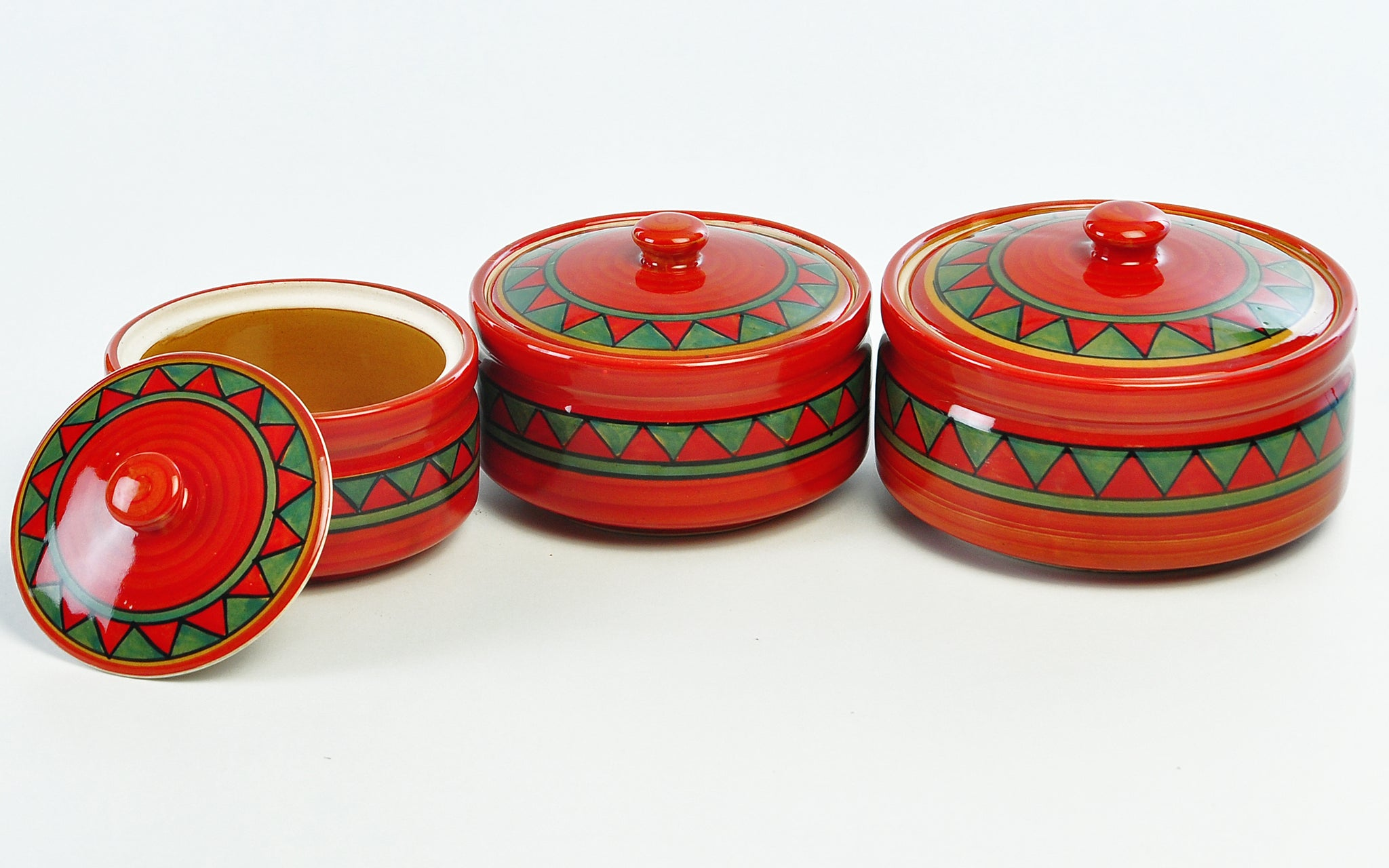 trian-red-n-green-large-serving-bowl-with-lid-dec5339