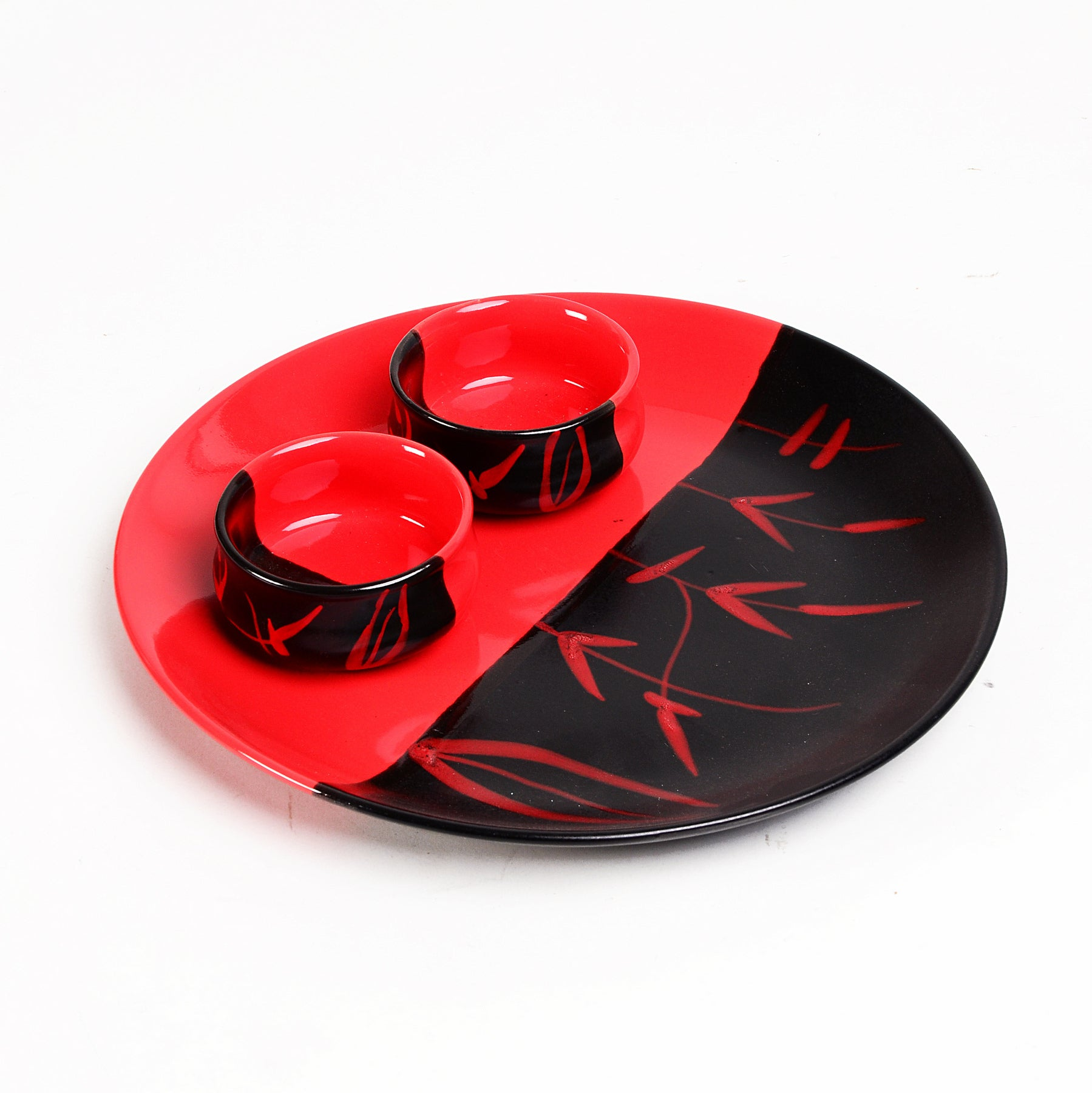 duett-snacks-red-n-black-plate-dec5514