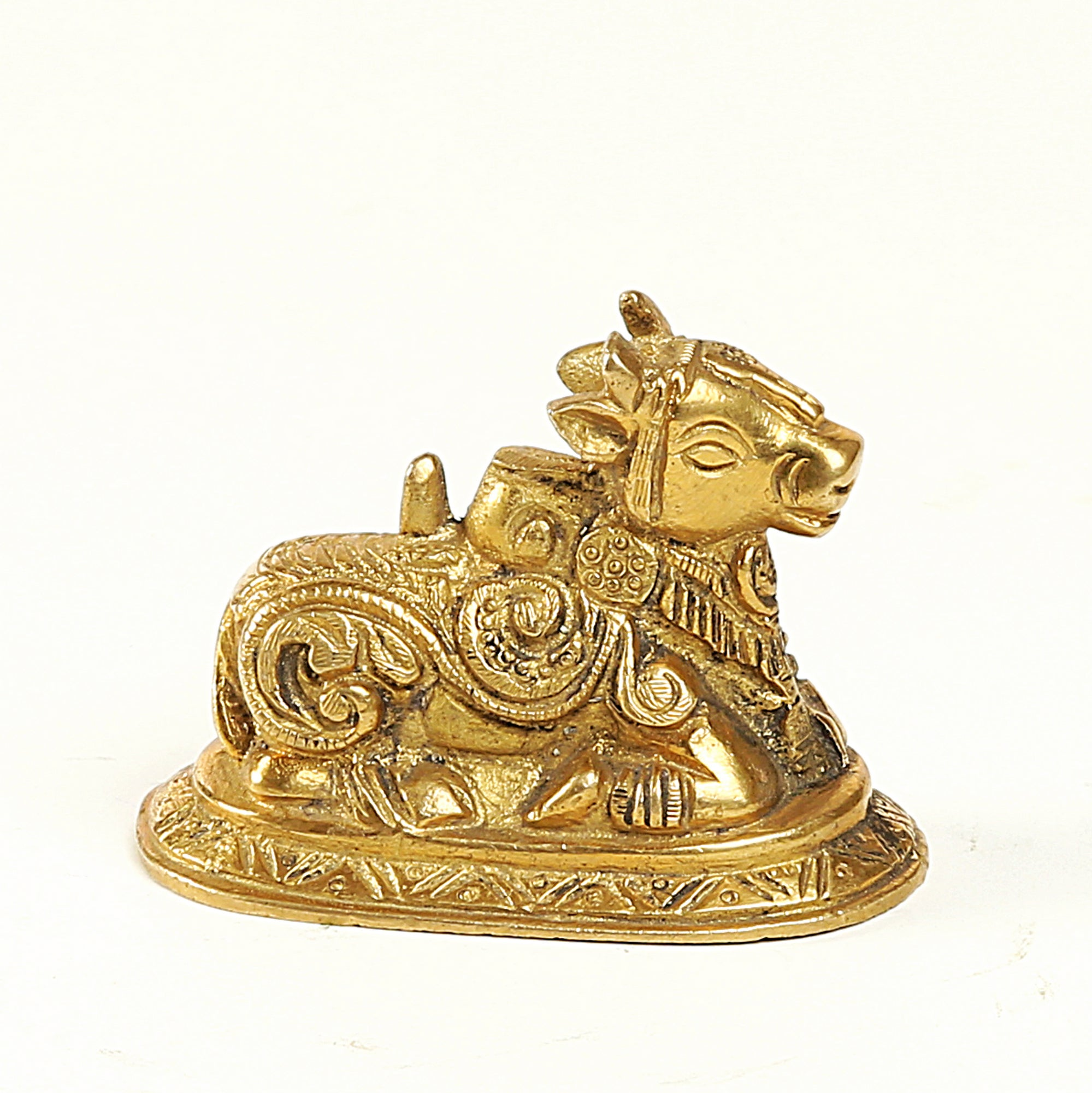 brass-gold-sitting-kamdenu-cow-ds4095