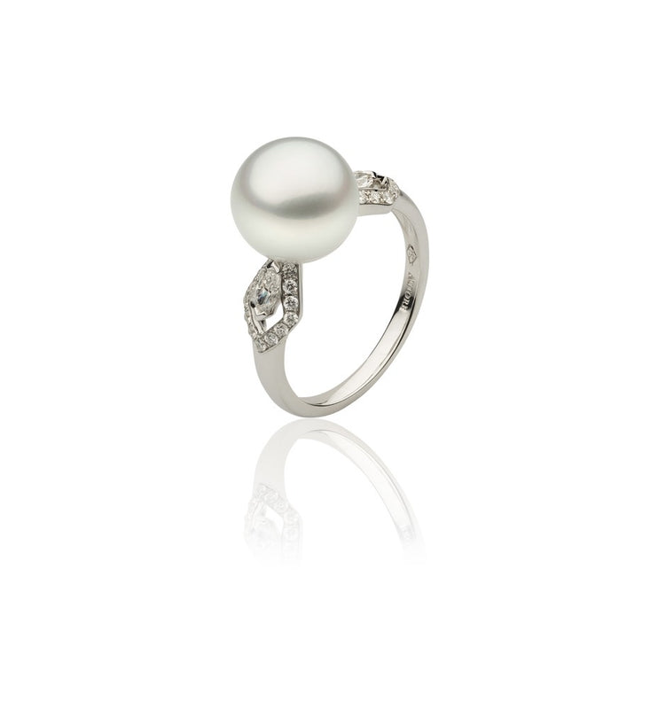 18ct White Gold and Diamond Pearl Dress Ring