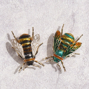 Bee Brooch 2 variations gold plated with Rhinestones