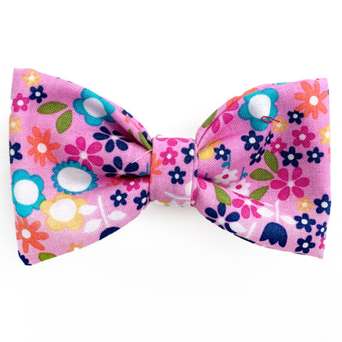 636 Barley's Garden Flowers Dog Bow Tie