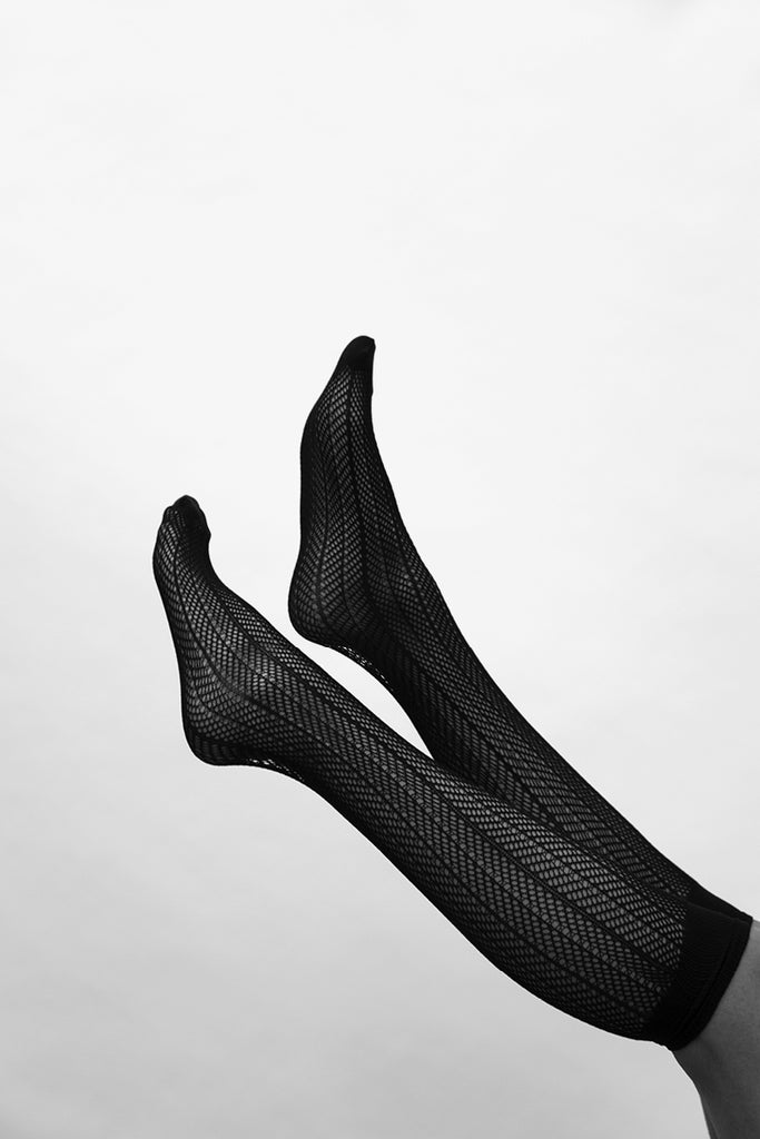 Swedish Stockings Astrid fishnet knee-high socks