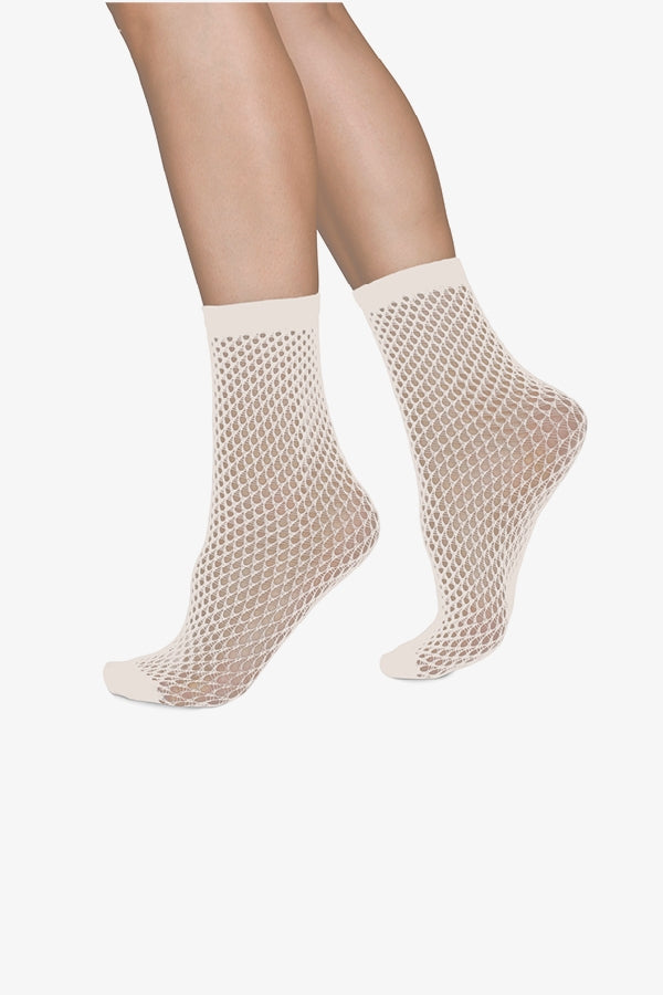 Vera Net Ankle Socks in Ivory